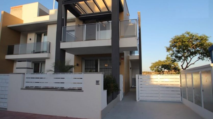 Frontal - Apartamentos 2 Dormitorios en Guardamar