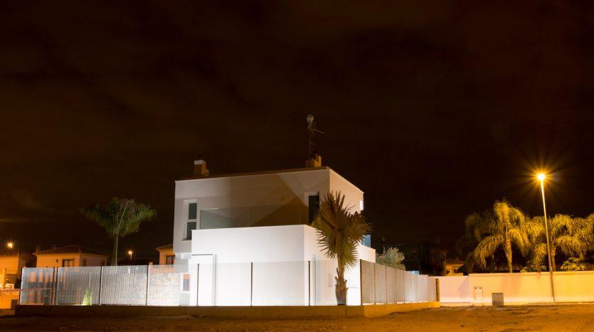 Fachada Noche Chalet de Lujo Santiago de la Ribera Murcia