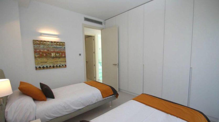Segundo Dormitorio de Chalet Nuevo en Dehesa de Campoamor