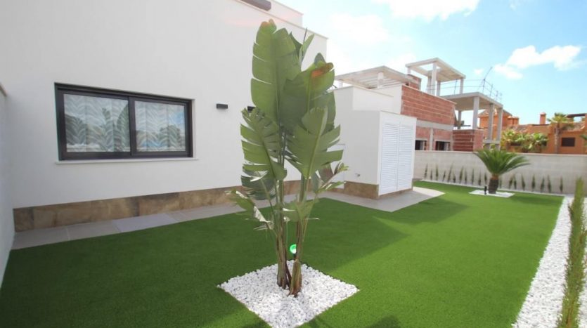 Villa Dehesa Campoamor Planta Baja ZONA TRASERA 1