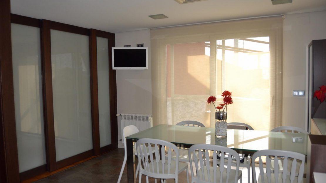 Cocina acceso a Terraza Villa 5 Dormitorios Mar Menor Golf Torre Pacheco